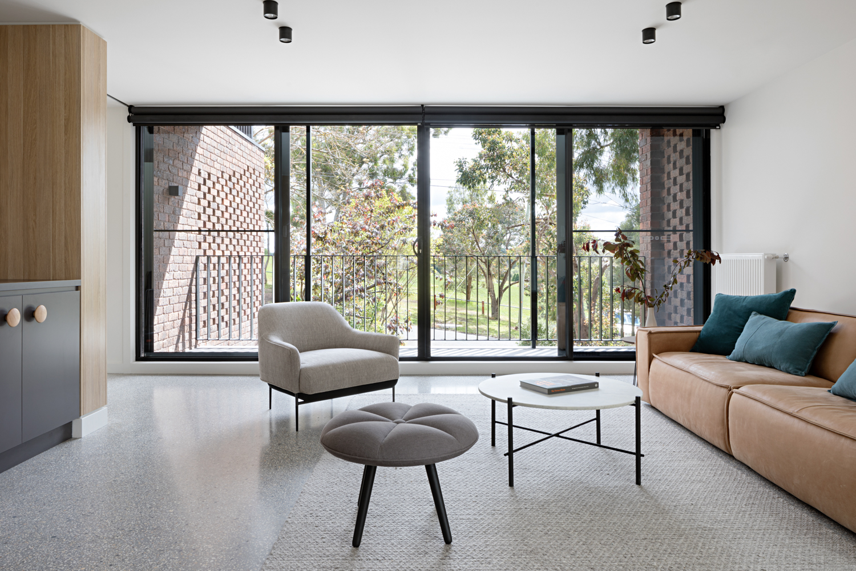 ruffey-lake-house-inbetween-architecture-the-design-emotive-06.jpg