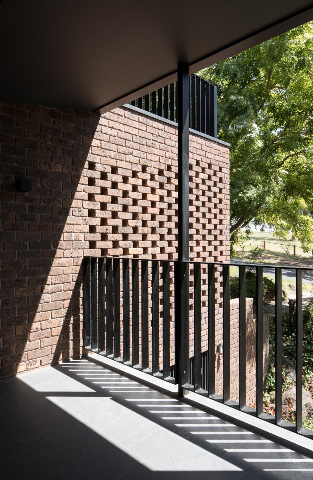 ruffey-lake-house-inbetween-architecture-the-design-emotive-30.jpg