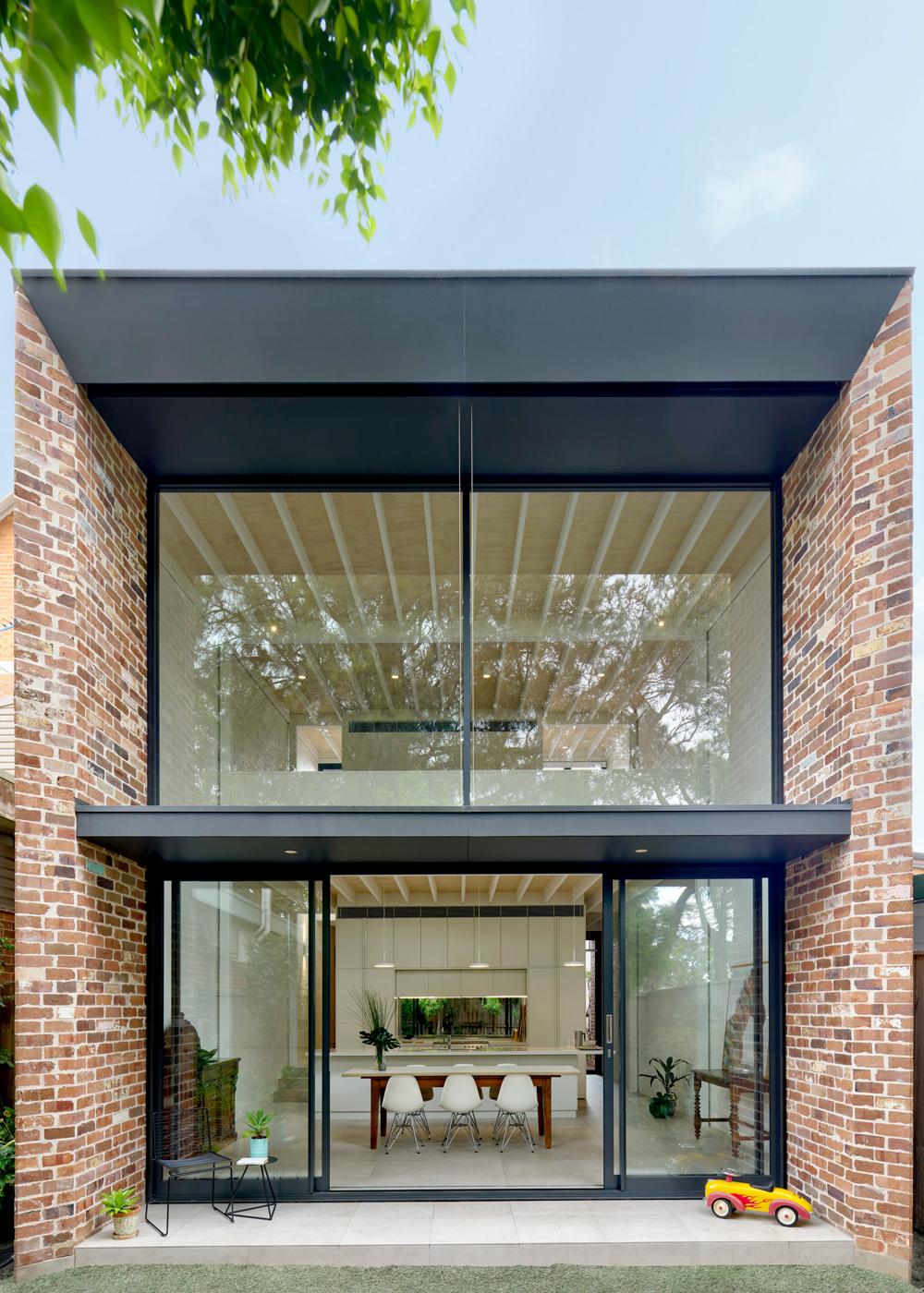 brick-aperture-house-kreis-grennan-architecture-the-design-emotive-01.jpg