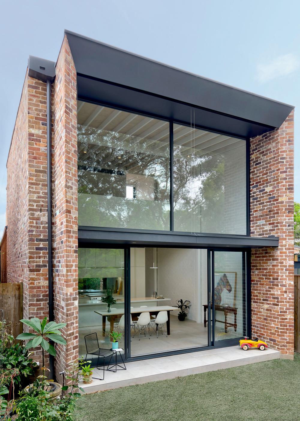 brick-aperture-house-kreis-grennan-architecture-the-design-emotive-02.jpg