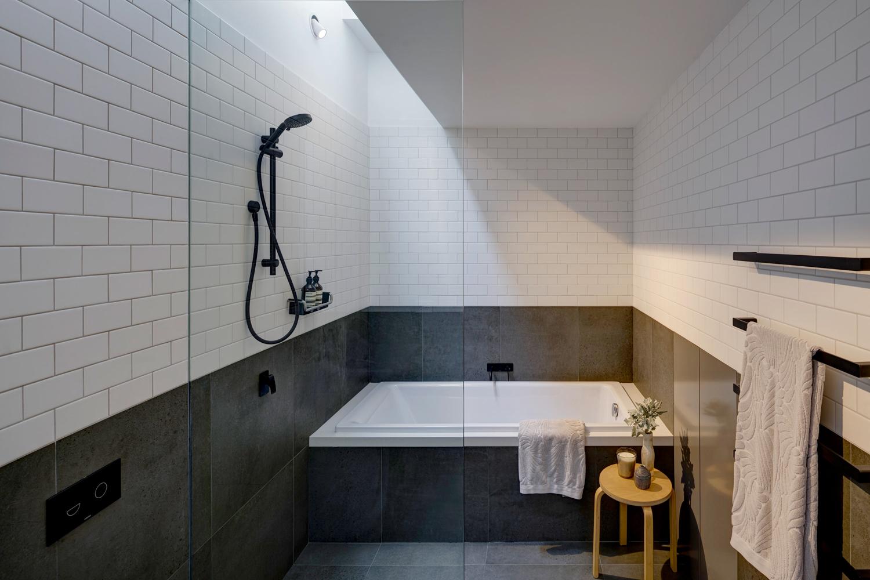 brick-aperture-house-kreis-grennan-architecture-the-design-emotive-14.jpg