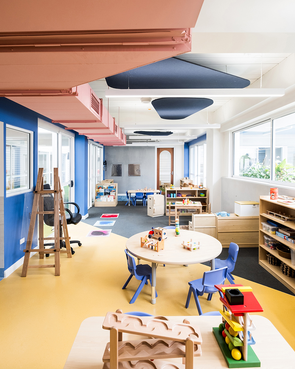 Dulux Colour Awards 2019 Commercial Interior: Workplace and Retail Winner Project _ Giraffe Learning Centre (NSW) by Supercontext Architecture Studio Photographer _ Adam Madigan and Bob Barrett