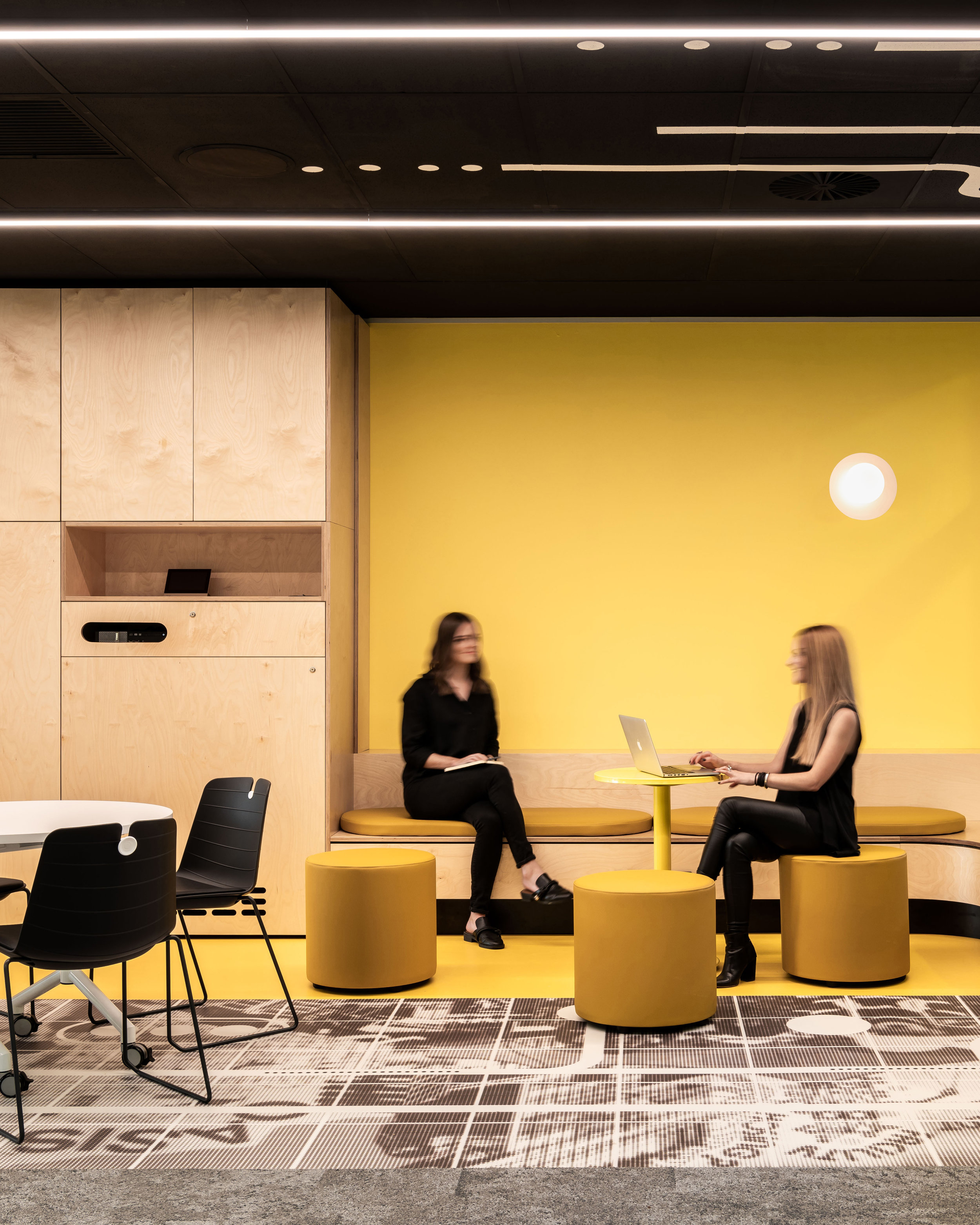 Dulux Colour Awards 2019 Commercial Interior: Public and Hospitality Commendation Project _ Curtin Think Space (WA) by Arcadia Design Studio Photographer _ Dion Robeson