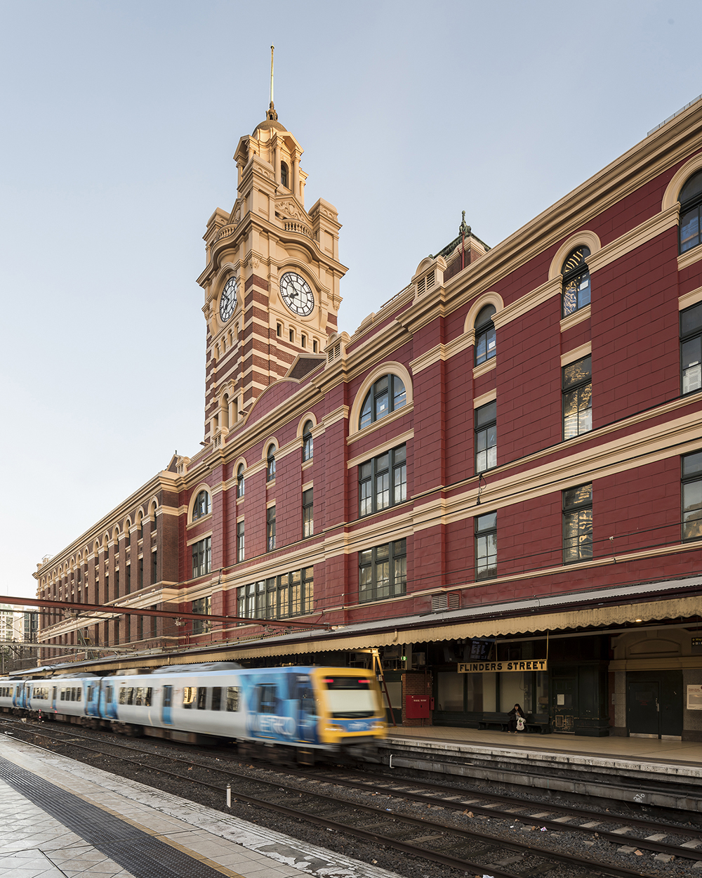 Dulux Colour Awards 2019 Commercial and Multi-Residential Exterior Winner Project _ Flinders Street External Works (VIC) by Lovell Chen Photographer _ Peter Glenane, Martin Leitch, Jenny Bolis and Kai Chen