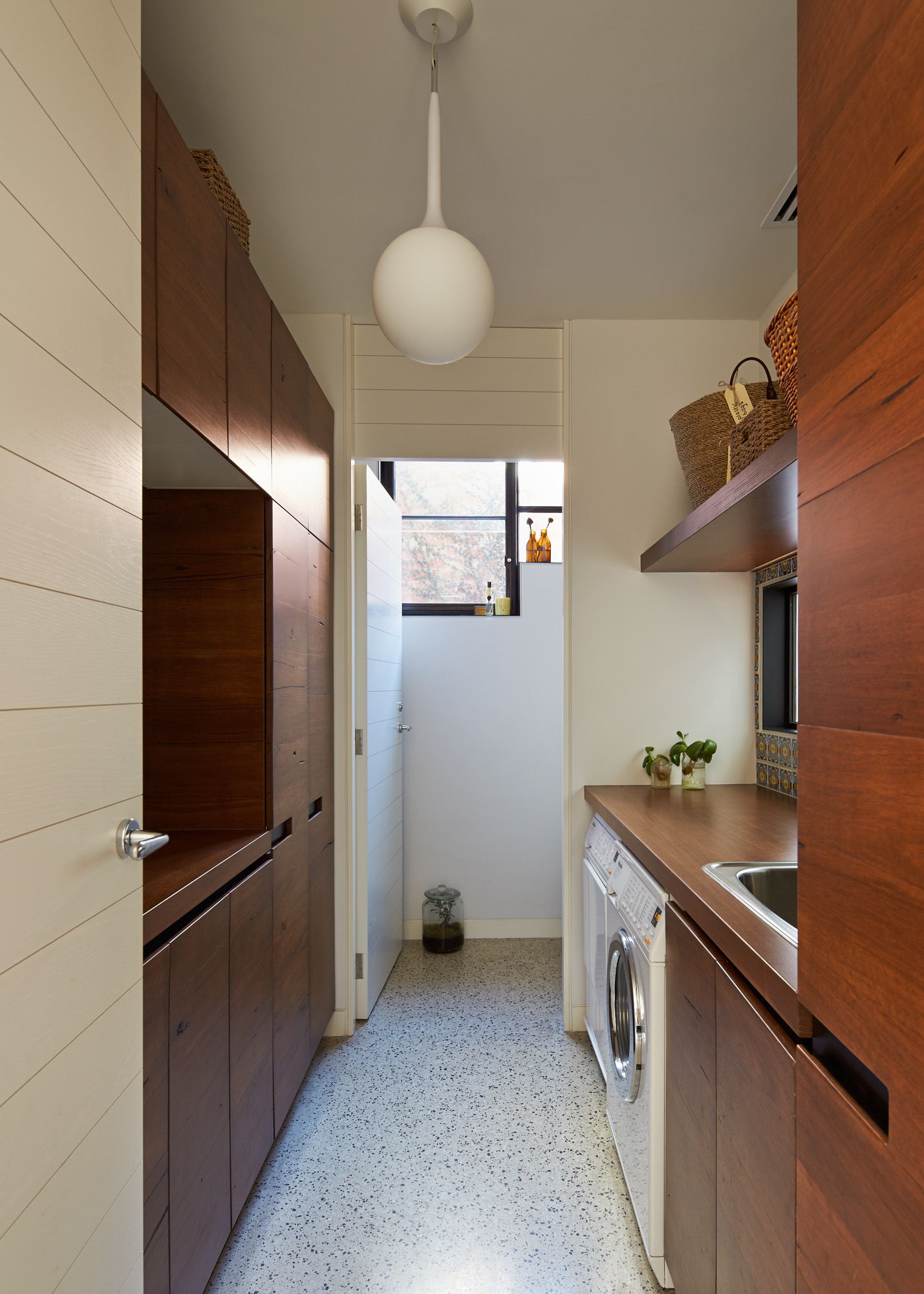 cubo-house-phooey-architects-the-design-emotive-05.jpg