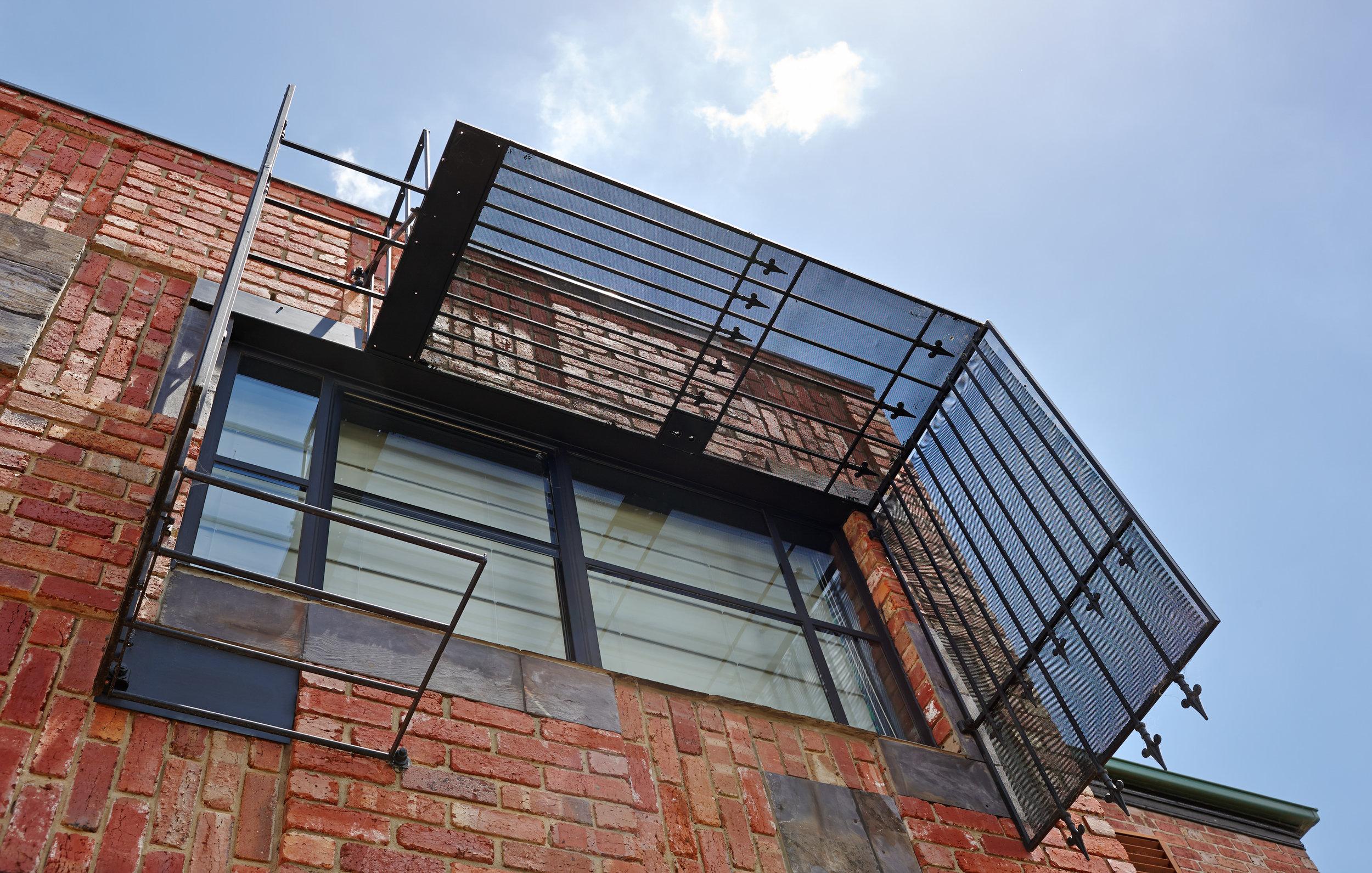 cubo-house-phooey-architects-the-design-emotive-09.jpg