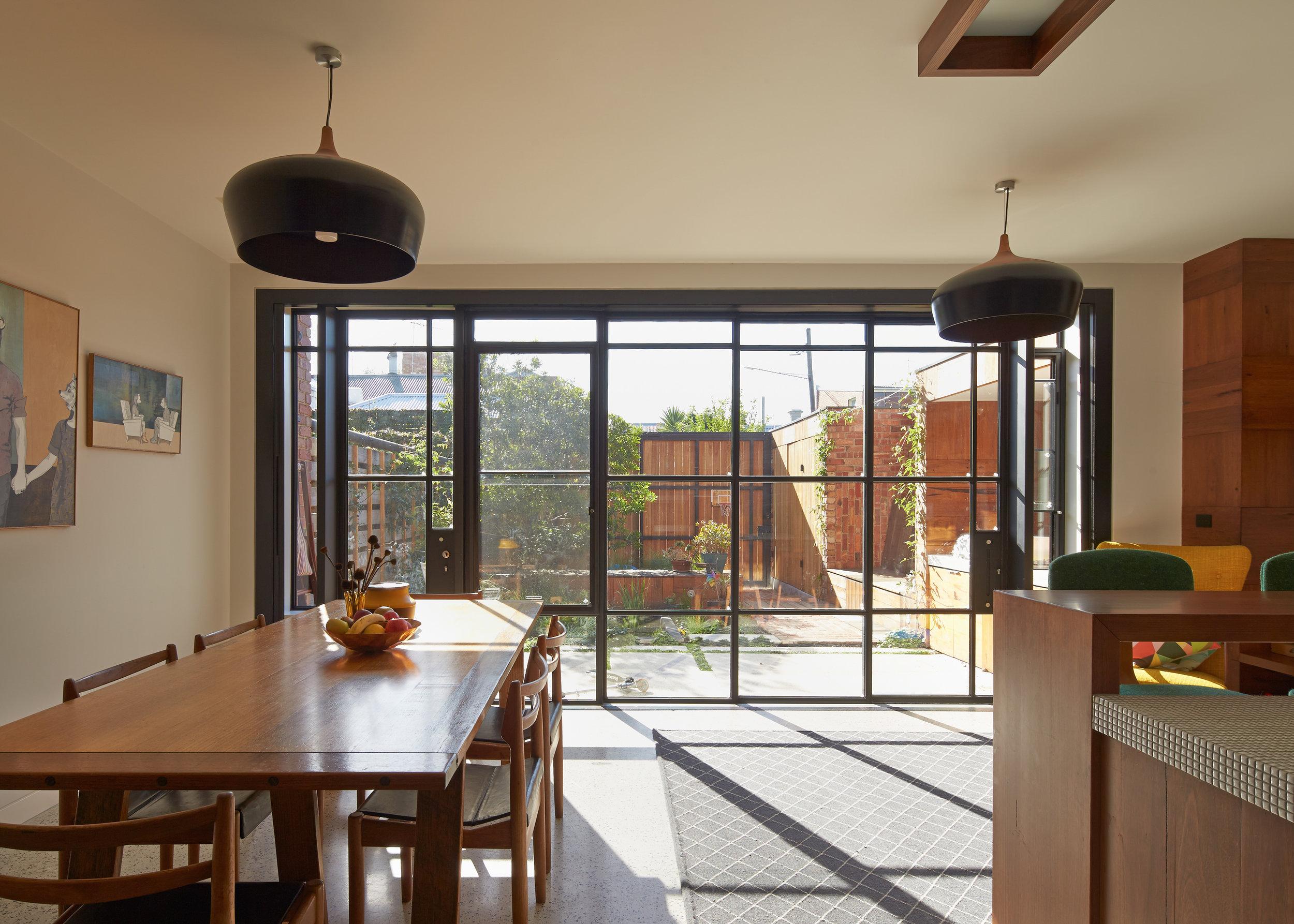 cubo-house-phooey-architects-the-design-emotive-17.jpg