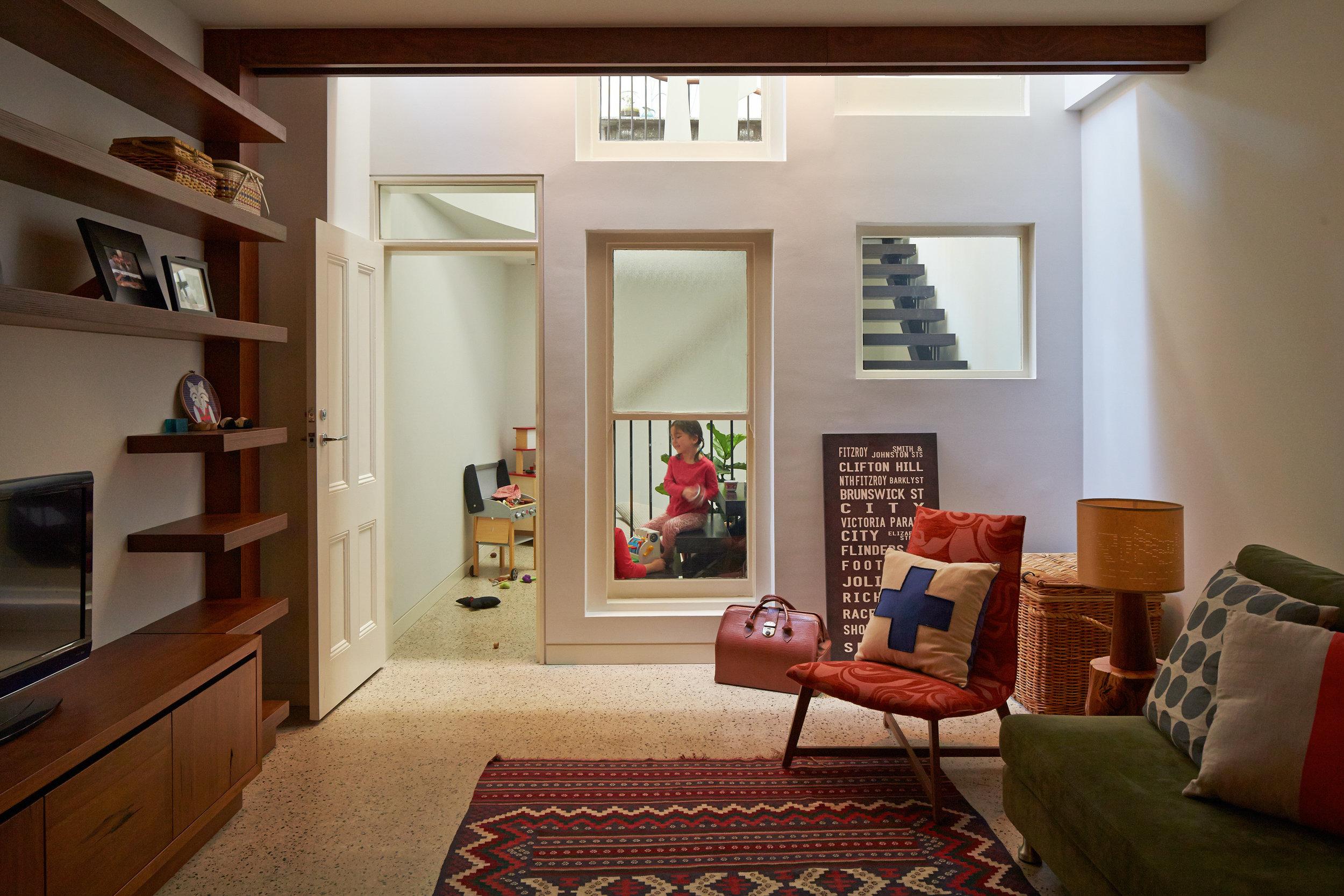 cubo-house-phooey-architects-the-design-emotive-28.jpg