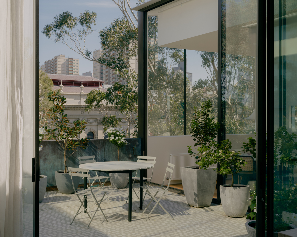 Apartment courtyard design