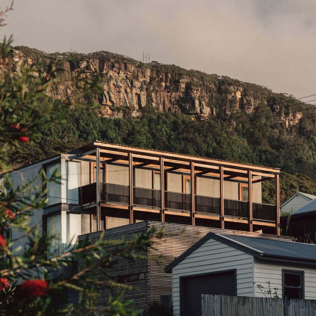 Bundeena Beach House by Grove Architects | Photographed by Shantanu Starick