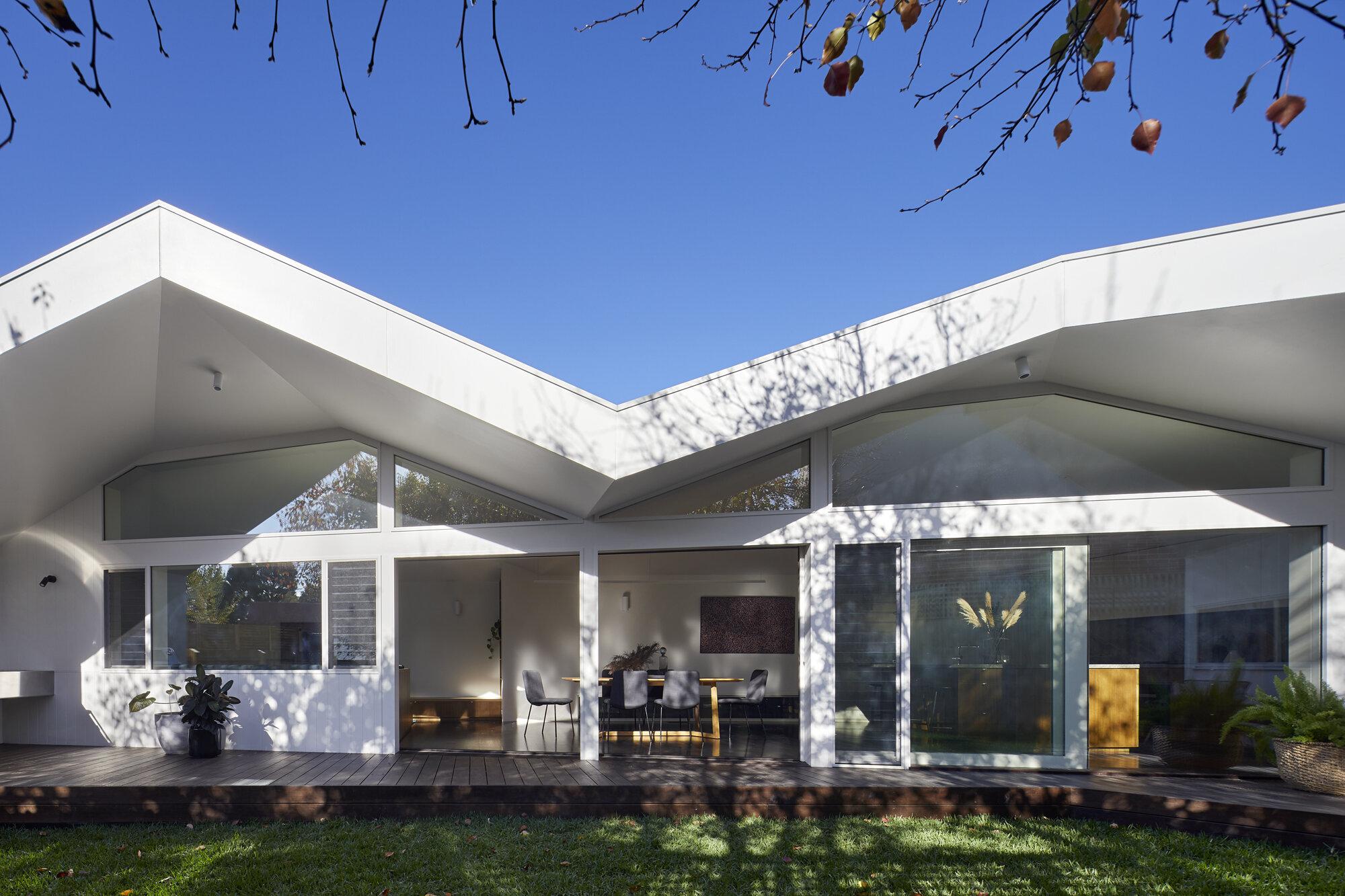 Clad Pad by Mihaly Slocombe Architects | Photographed by Tatjana Plitt