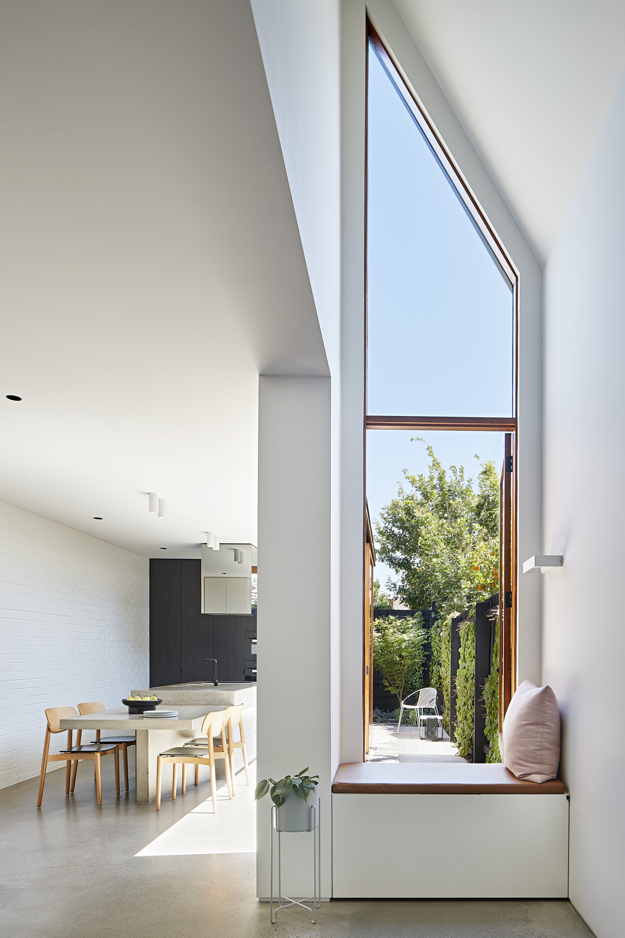 Charles St by Lande Architects Pty Ltd | Photographed by Shannon McGrath
