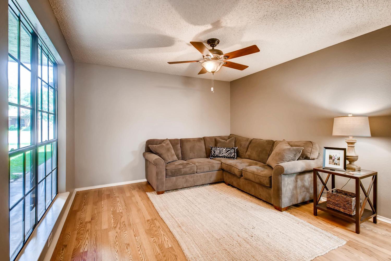 11313 Stormy Ridge Rd Austin-large-022-43-Family Room-1500x1000-72dpi.jpg