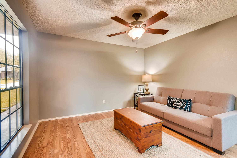 11313 Stormy Ridge Rd Austin-large-023-7-Family Room-1500x1000-72dpi.jpg