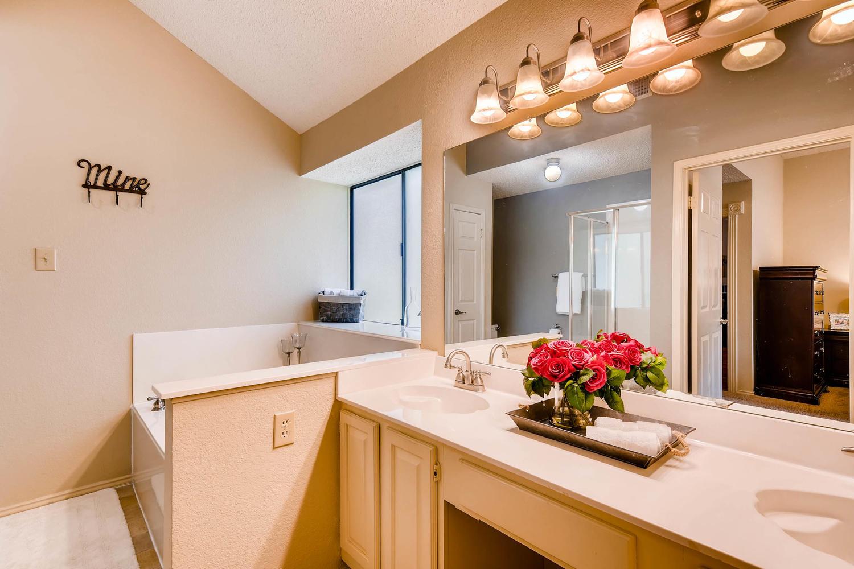11313 Stormy Ridge Rd Austin-large-026-16-Master Bathroom-1500x1000-72dpi.jpg