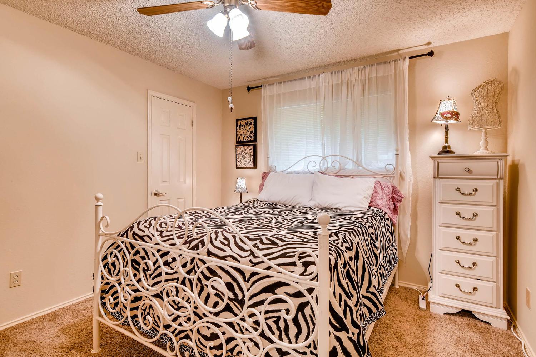 11313 Stormy Ridge Rd Austin-large-031-14-Bedroom-1500x1000-72dpi.jpg