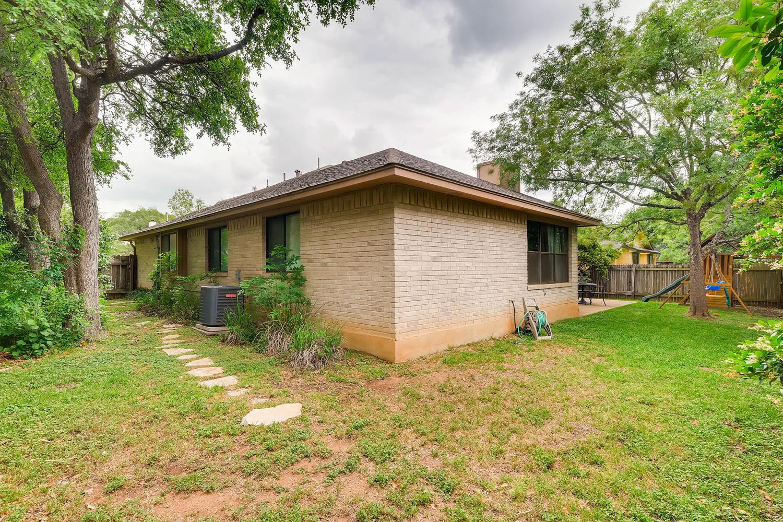 11313 Stormy Ridge Rd Austin-large-038-20-Back Yard-1500x1000-72dpi.jpg