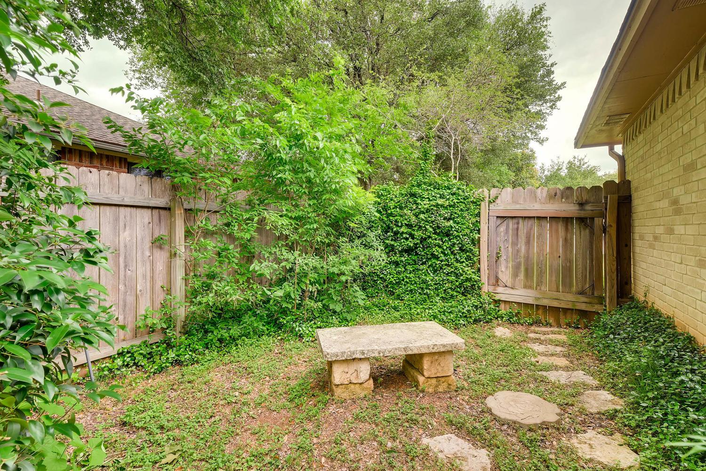 11313 Stormy Ridge Rd Austin-large-039-18-Back Yard-1500x1000-72dpi.jpg