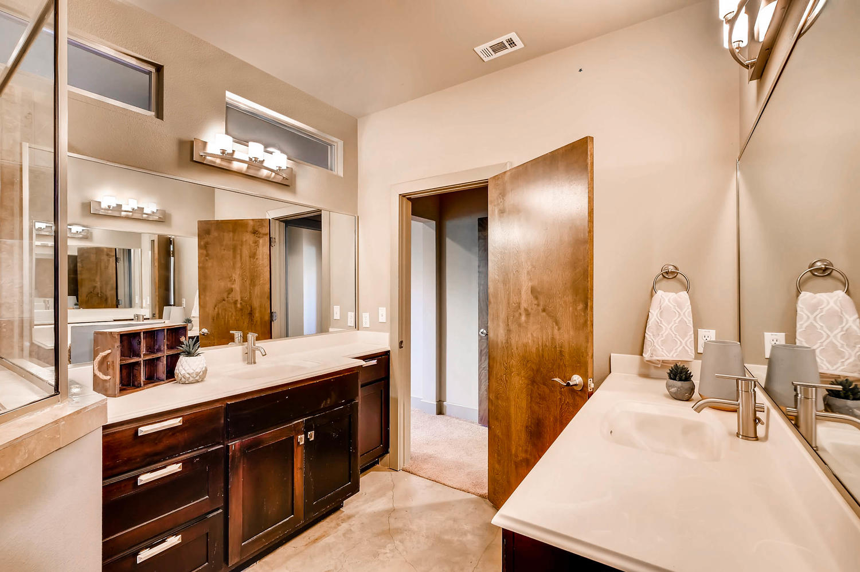 1100 Upland Austin TX 78741-large-019-34-Master Bathroom-1500x998-72dpi.jpg