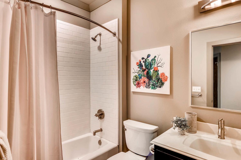 1100 Upland Austin TX 78741-large-024-13-Bathroom-1500x998-72dpi.jpg