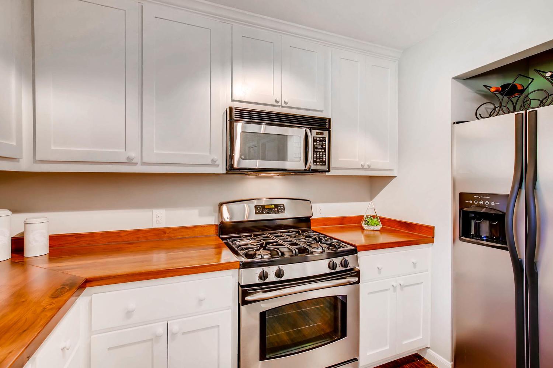 2103 Wooten Dr Austin TX 78757-large-012-2-Kitchen-1500x1000-72dpi.jpg