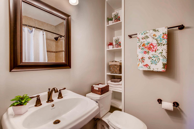 2103 Wooten Dr Austin TX 78757-large-019-16-Master Bathroom-1500x1000-72dpi.jpg