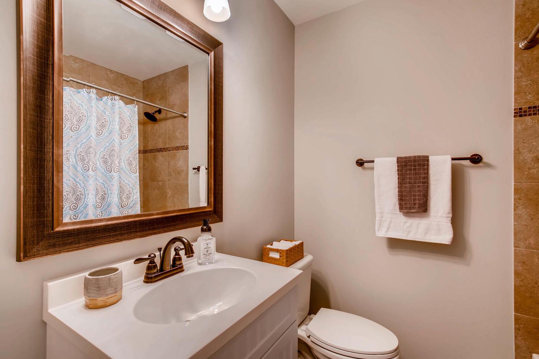 2103 Wooten Dr Austin TX 78757-large-023-12-Bathroom-1500x1000-72dpi.jpg