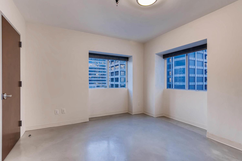 800 brazos street Unit 901-large-007-3-Master Bedroom-1499x1000-72dpi.jpg