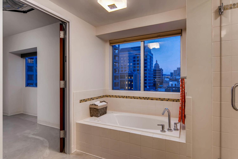 800 brazos street Unit 901-large-008-9-Master Bathroom-1499x1000-72dpi.jpg