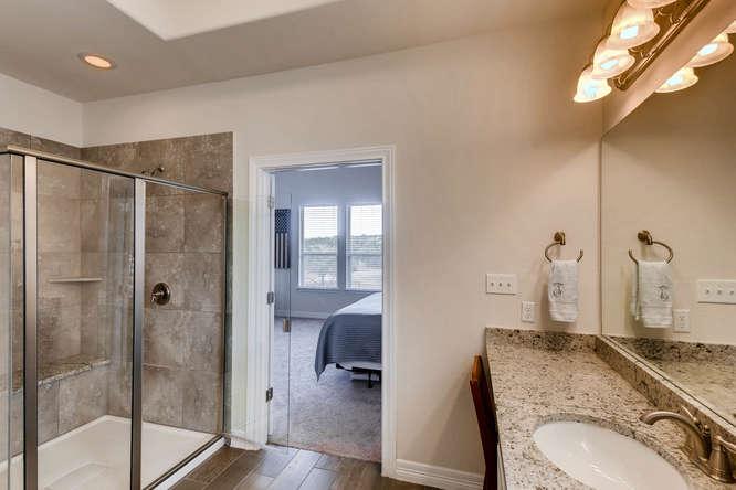 8507 Evelina Trai Austin TX-small-016-19-Master Bathroom-666x444-72dpi.jpg