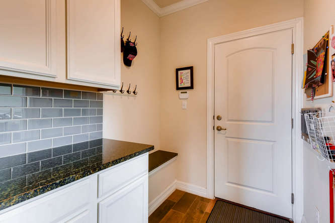 8507 Evelina Trai Austin TX-small-023-16-Mudroom-666x444-72dpi.jpg