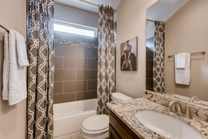 8725 Whispering Trail Austin-small-023-27-Bathroom-666x444-72dpi.jpg