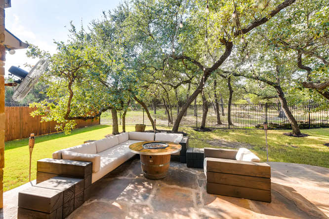 8725 Whispering Trail Austin-small-024-22-Patio-666x444-72dpi.jpg