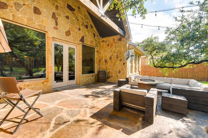 8725 Whispering Trail Austin-small-025-26-Patio-666x444-72dpi.jpg