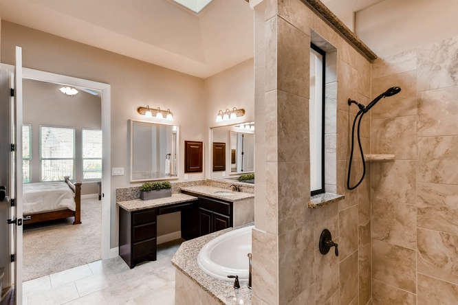 241 Wellington Austin TX 78737-small-018-7-Master Bathroom-666x444-72dpi.jpg