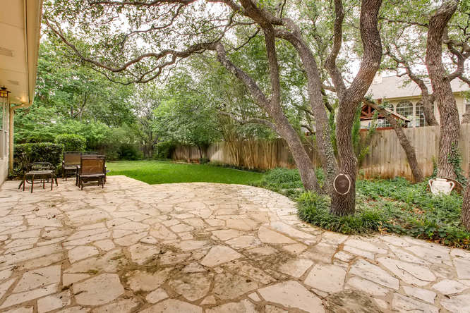 3305 Avenal Austin TX 78738-small-024-14-Patio-666x444-72dpi.jpg