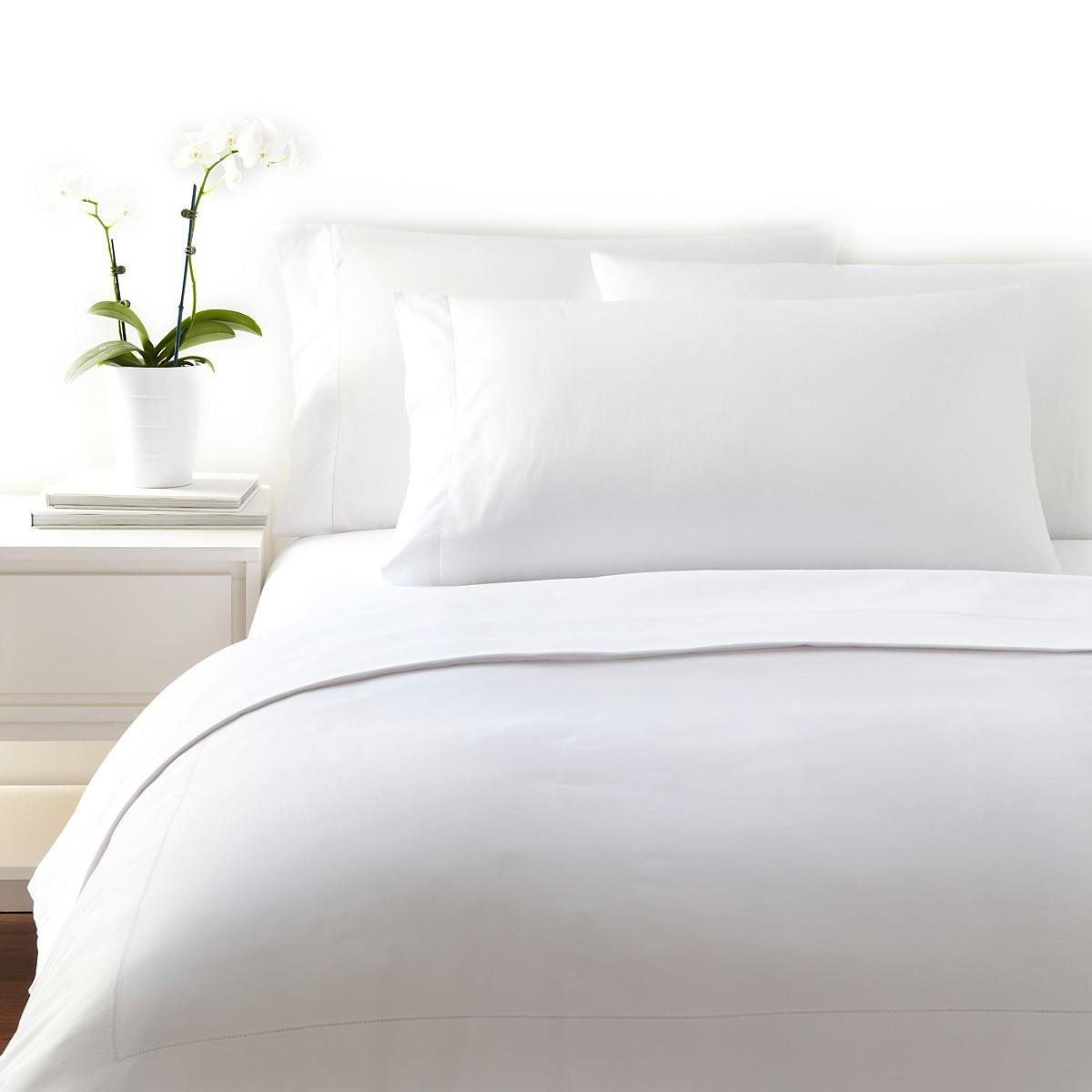white bedding.jpg