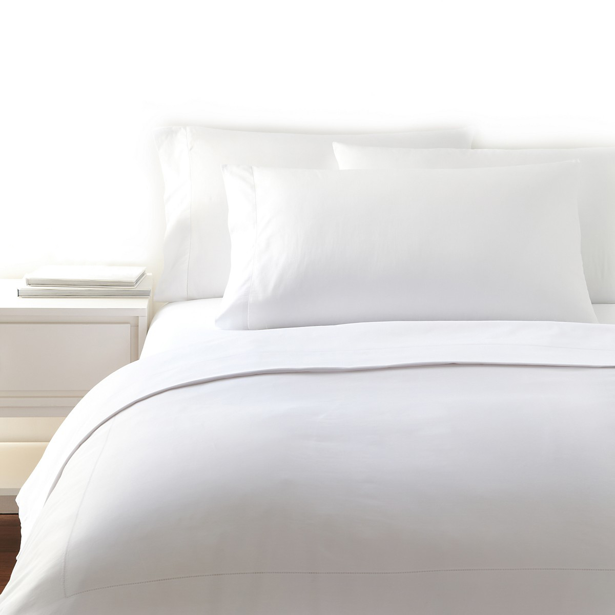 white bedding with no plant.jpg