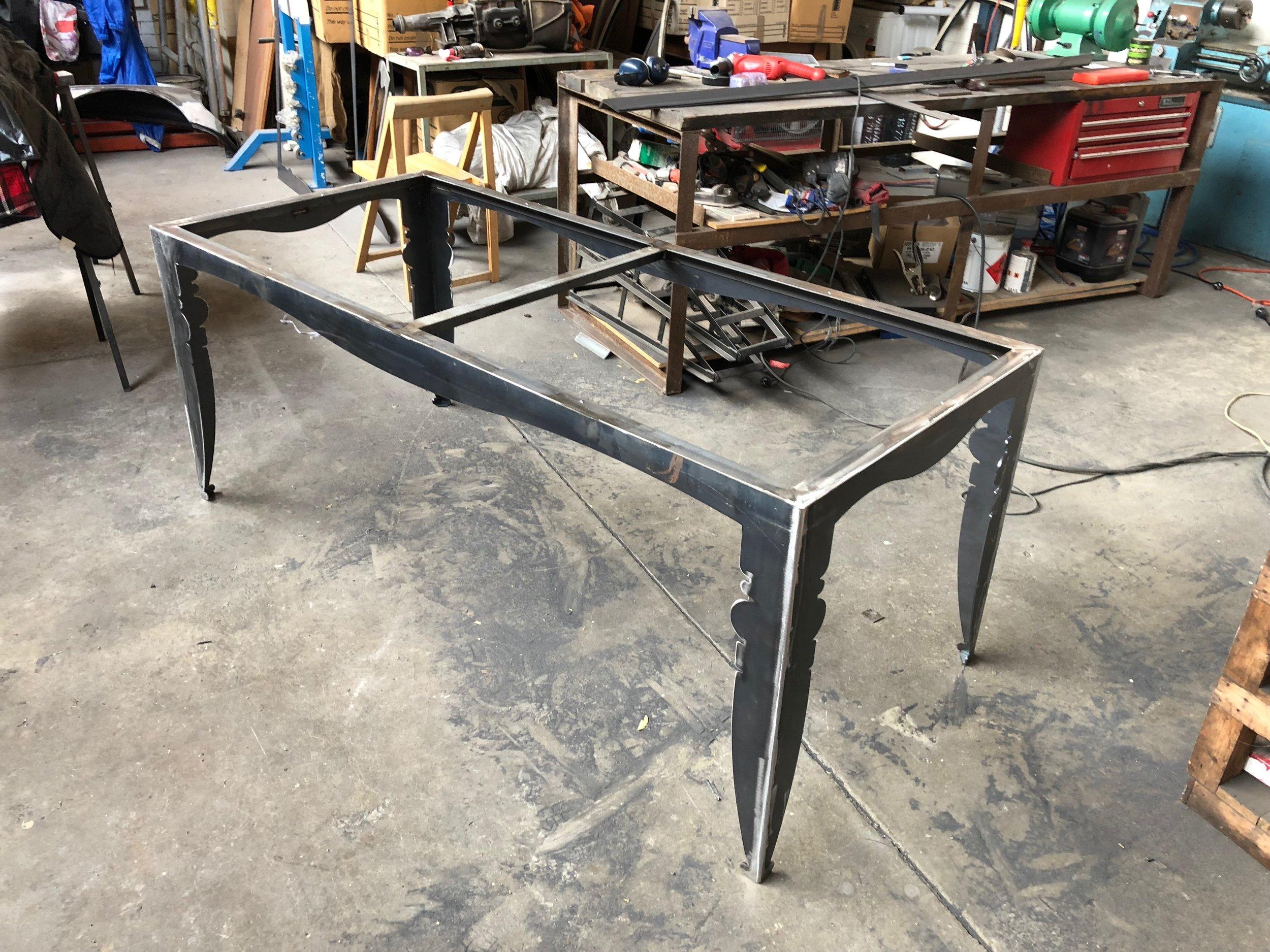 Silhouette Table - bare bones