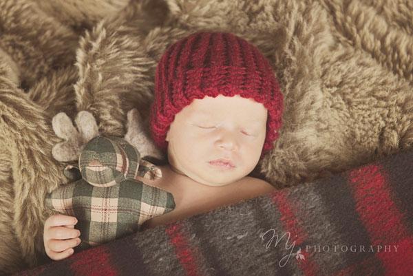 newborn_deacon_3058_b_2.jpg