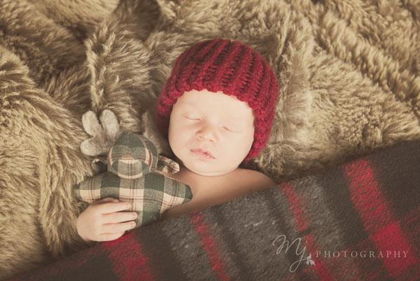 newborn_deacon_3062_b.jpg