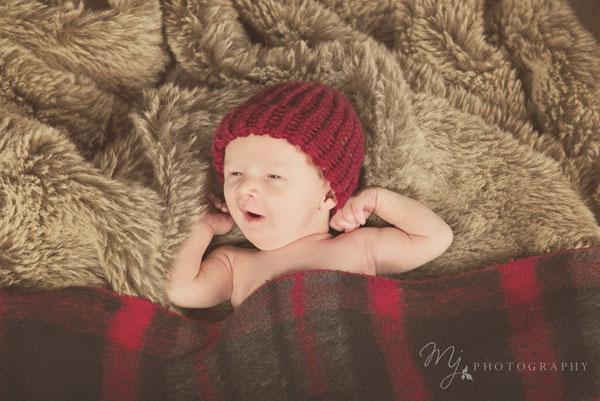 newborn_deacon_3088_b.jpg