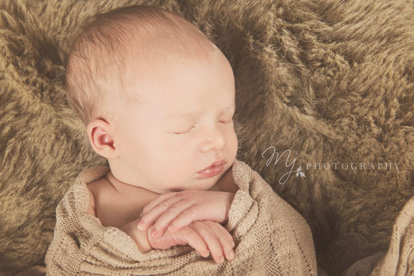 newborn_deacon_3100(2)_b.jpg