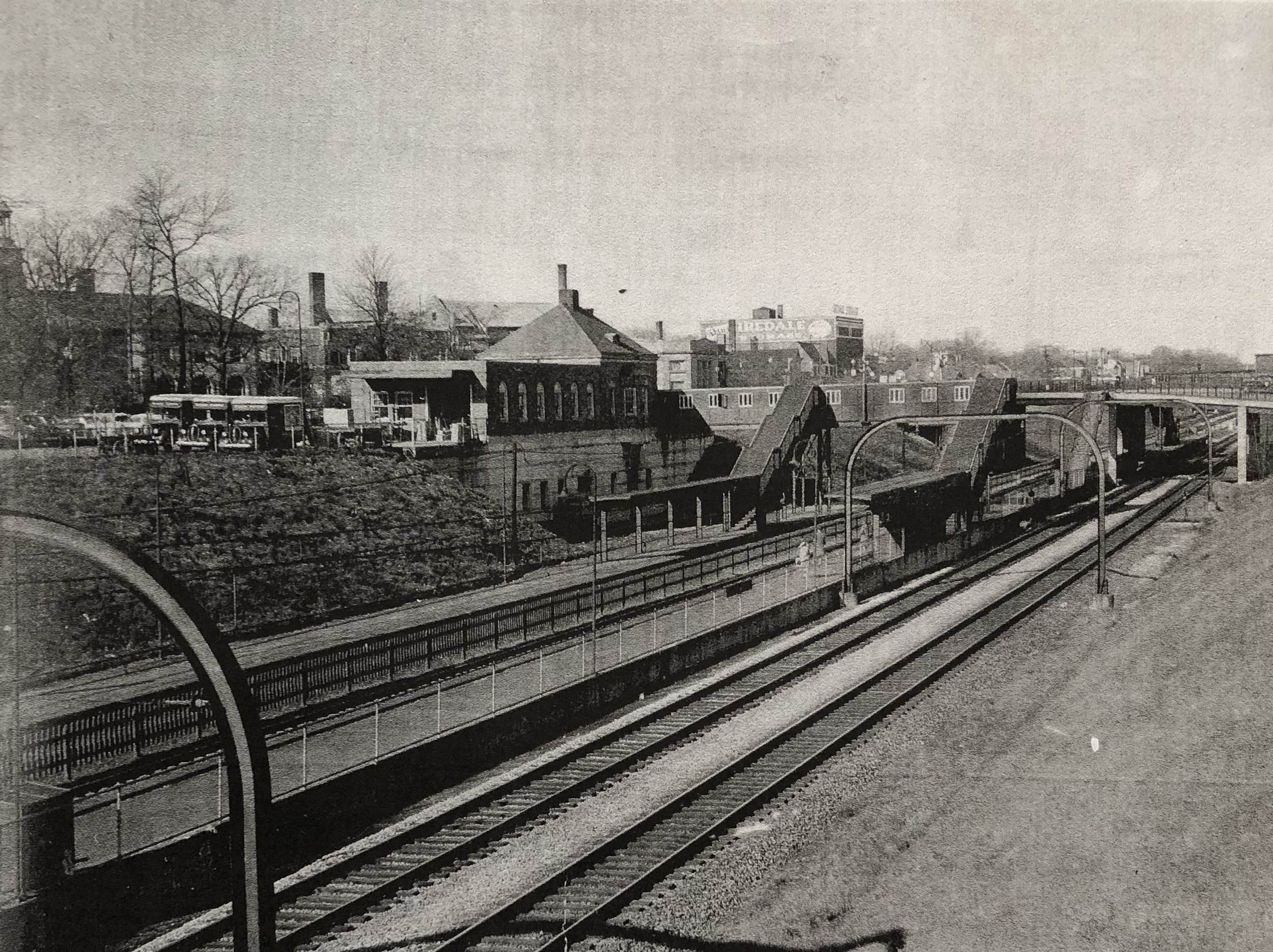 1943 - The lowering of Winnetka's railway tracks project finishes -
