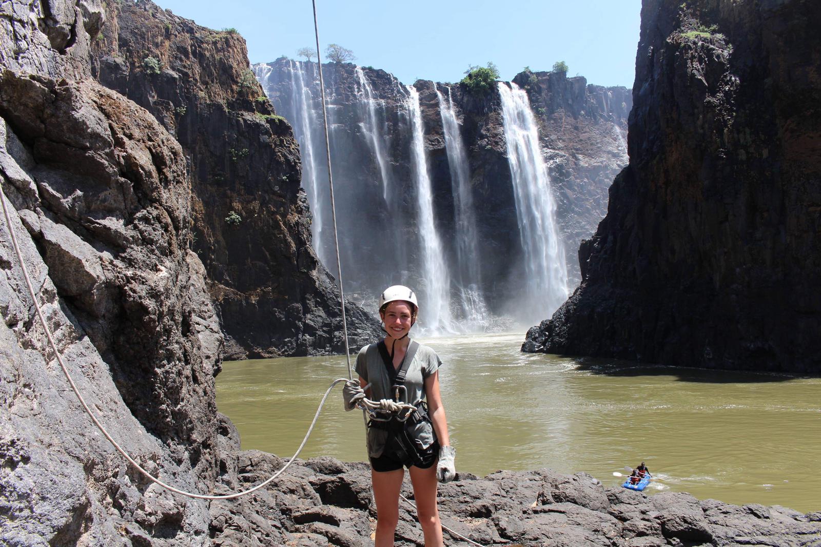 Abseil_Victoria_Falls2.jpg