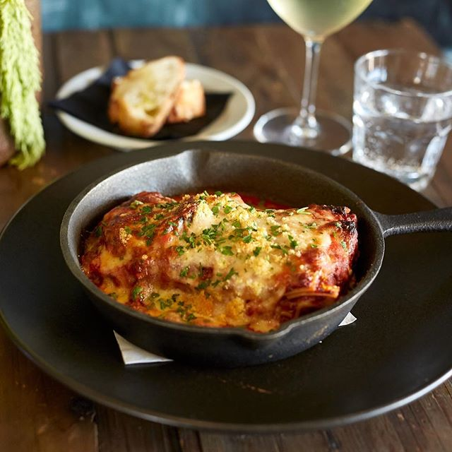 The cool change has officially arrived! Who's in the mood for lasagne? ❤️ #coolchange #melbourneweather #lasagne #melbournerestaurants #baysidemelbourne #albertpark #3206 #italianfood #homemade #delicious