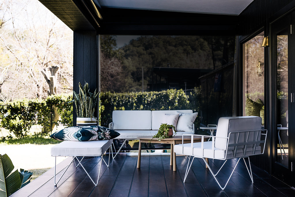 Outdoor Lounge, Deck