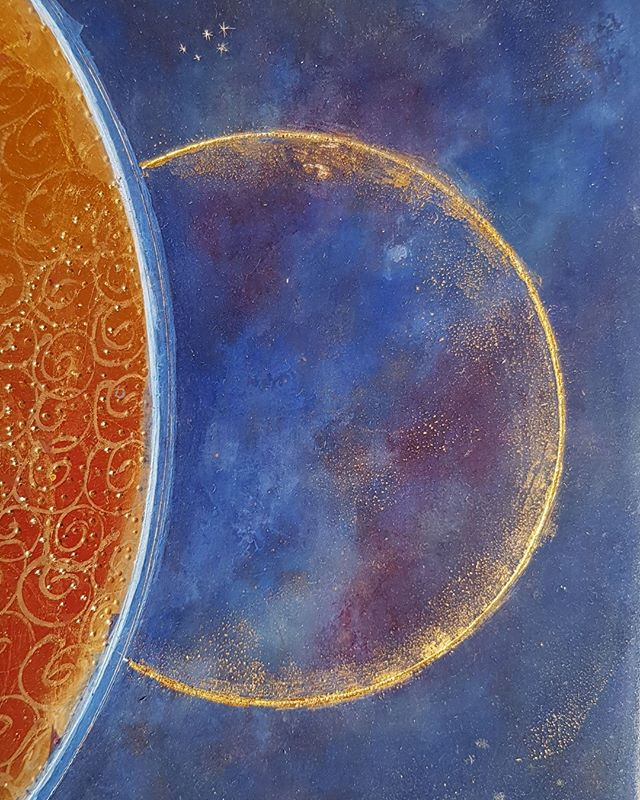 Details of a thread of gold made with 23.5 ct gold leaf. Detail of painting 'Divine Cosmos'. Love working with gold.💛