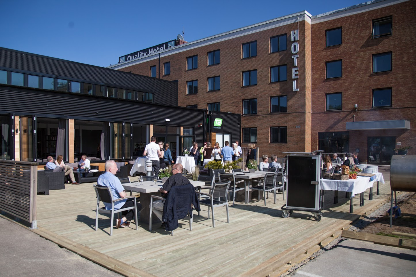 Quality Hotel Vänersborg - The restaurant offers breakfast, lunch and dinner. Here you can choose from traditional Swedish food, hamburgers, fish or vegetarian options.Contact:+46521-57 57 20q.vanersborg@choice.sehttp://www.qualityvanersborg.se/