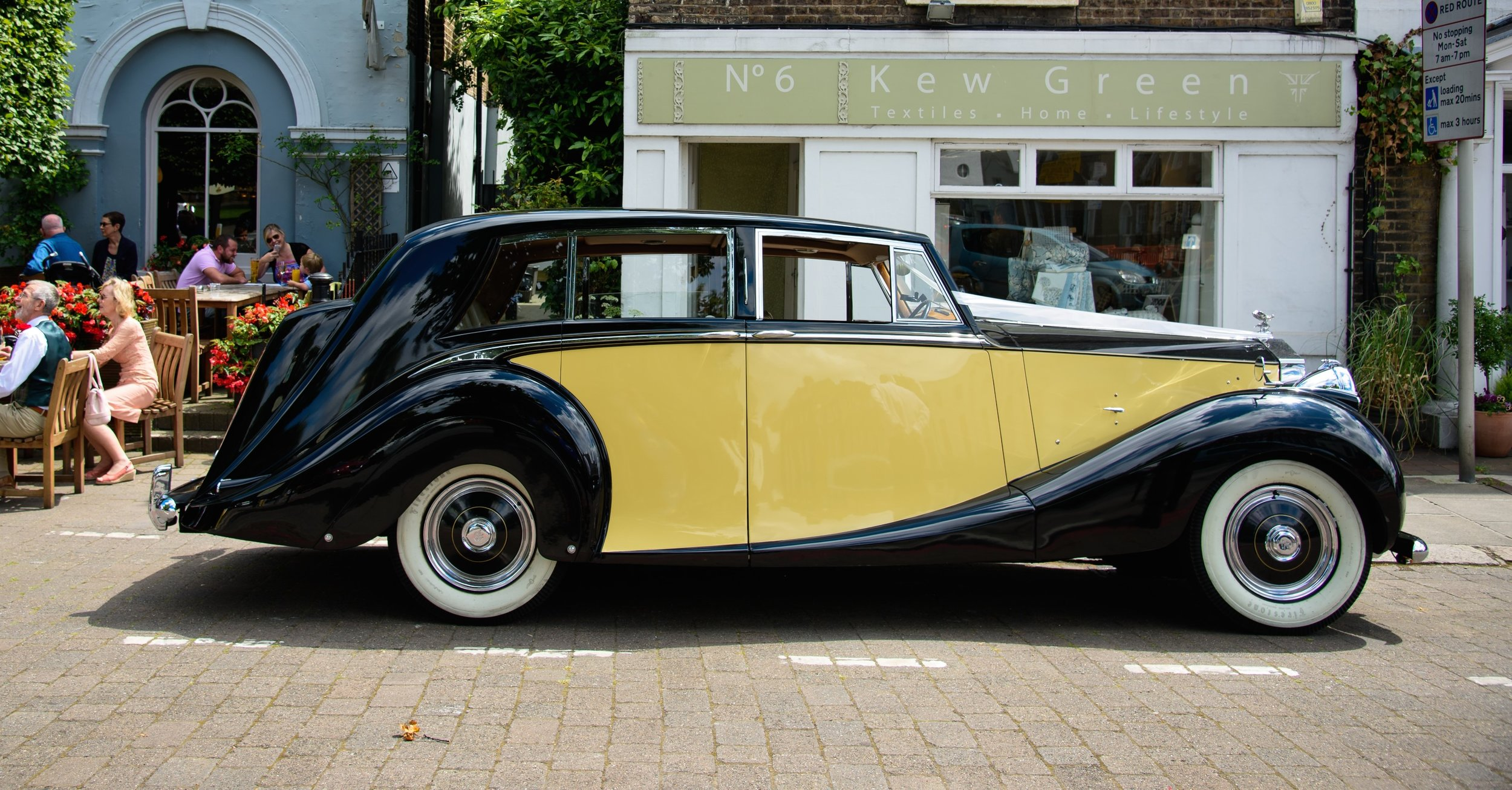 Classic Car Hire Rolls Royce Silver Wraith 1950 Wedding.jpg